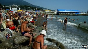 Holidaymakers fill Crimean resorts