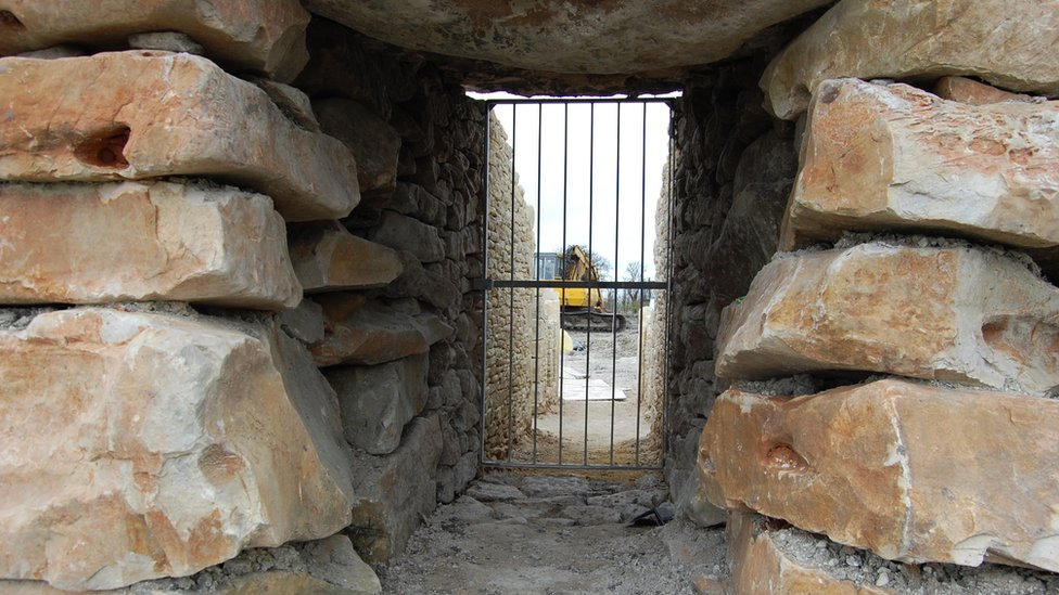 All Cannings long barrow under construction