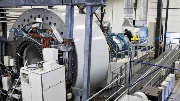 Gearless doughnut turbine