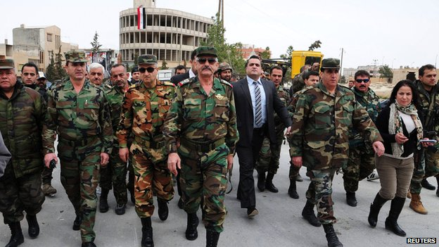 Officers loyal to Bashar al-Assad in Yabroud on 17 March 2014