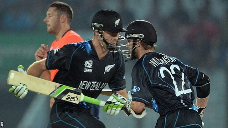 New Zealand batsmen run between the wickets
