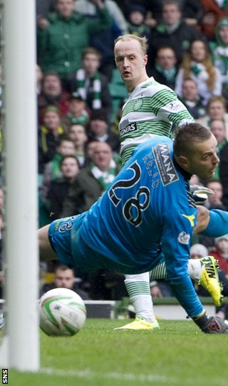 Leigh Griffiths scores for Celtic against St Mirren