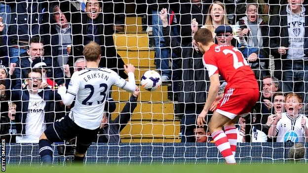 Christian Eriksen scores Tottenham's second goal