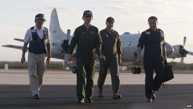 A Japanese team at the Royal Australian Air Force base Pearce in Bullsbrook, 35 km north of Perth, Australia, 23 March 2014