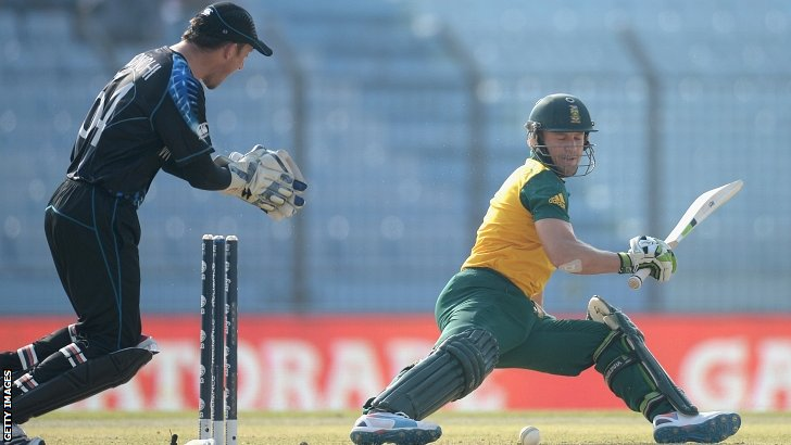 AB de Villiers id out