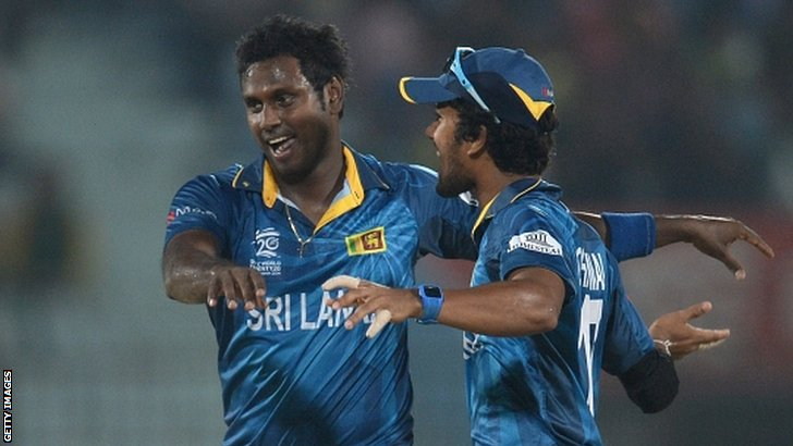 Angelo Mathews (left)