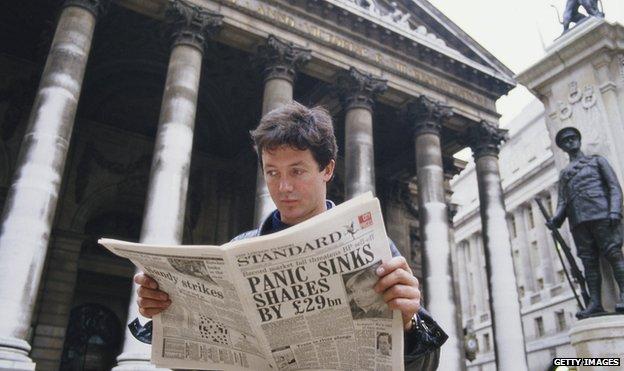 Man reads Evening Standard