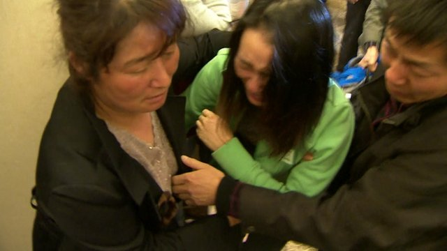Relatives grieve for MH370 victims