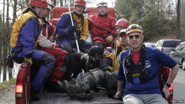 Rescue workers in Washington on 24 March 2014