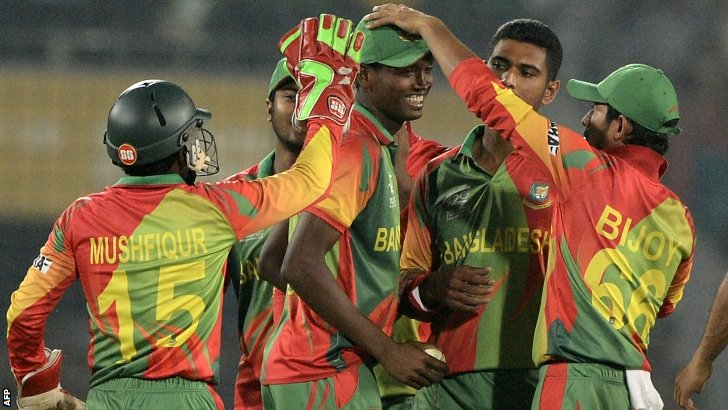 Bangladesh dismiss Dwayne Smith