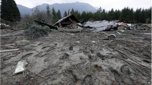 Ruined house in mud in Oso, Washington (25 Mar 2014)