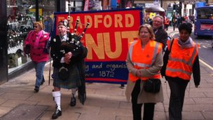 Piper leads striking teachers in Bradford