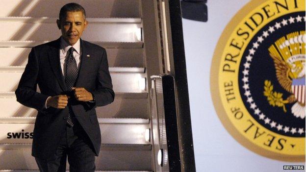 Barack Obama lands in Brussels (25 March 2014)