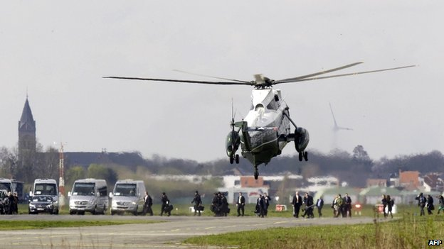 The US presidential helicopter Marine One lands at Wevelgem airport (26 March 2014)