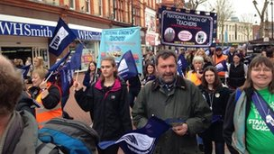 NUT members march through Reading