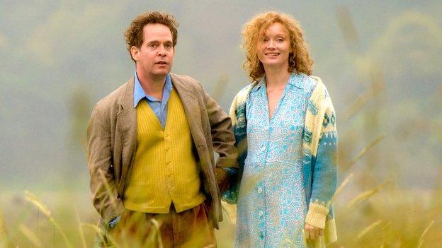 Tom Hollander and Essie Davis in A Poet in New York