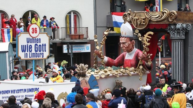 Carnival float satirising the bishop (3 March 2014)
