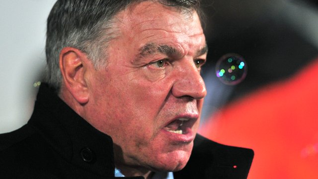 "West Ham manager Sam Allardyce says his players were ""distracted"" by booing from the fans in the first half during their 2-1 win over Hull City"