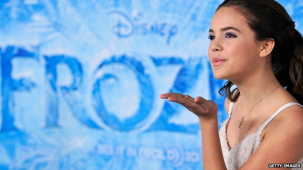 Actress Bailee Madison blows a kiss at the 19 November, 2013, premier party for the film Frozen.