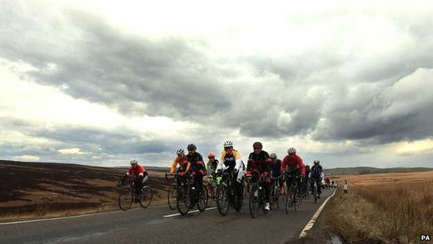 Cyclists at Cragg Vale