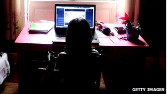 Child uses internet