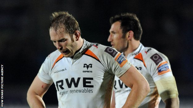 Alun Wyn Jones looks dejected after the Ospreys' defeat by Glasgow