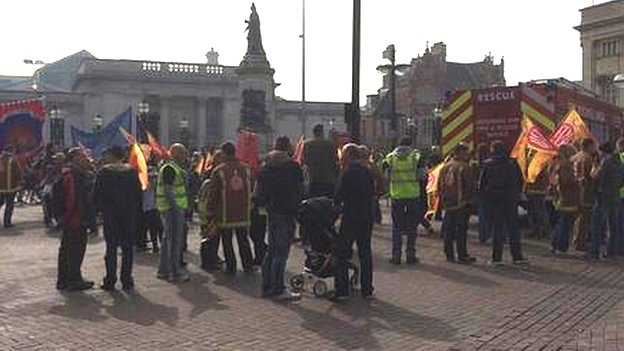 Firefighters in Hull