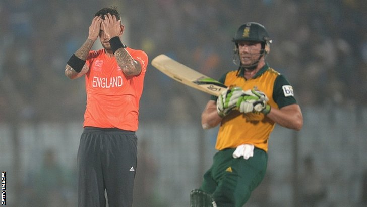 Jade Dernbach reacts after AB de Villiers hits a six