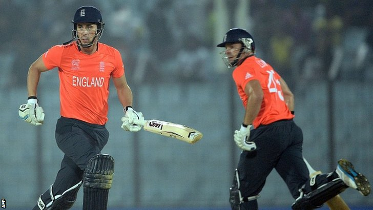 Hales and Lumb go for a run