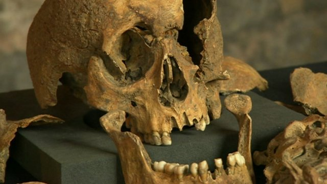 Crossrail digs up Black Death victims
