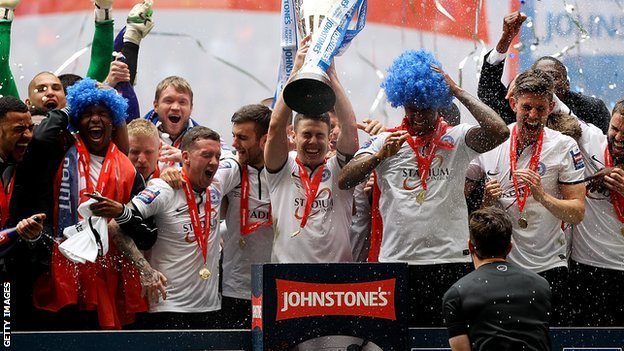 Peterborough lift the 2014 Football League Trophy