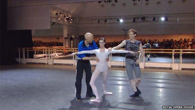 Wayne McGregor choreographs two dancers