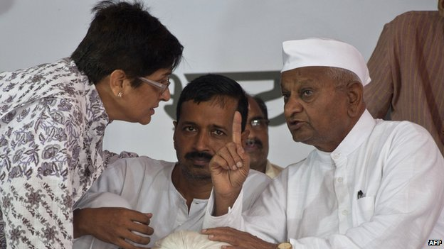 Veteran Indian social activist Anna Hazare (R) with Arvind Kejriwal, a member of his team during their hunger strike in New Delhi July 2012.