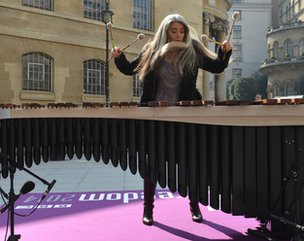 Dame Evelyn Glennie performs