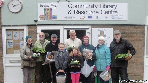Volunteers at Derwent Valley Bridge
