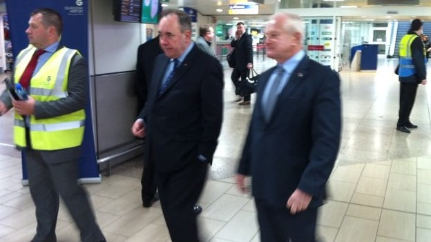 Mr Salmond welcomed Allan Bell off the first Citywing flight