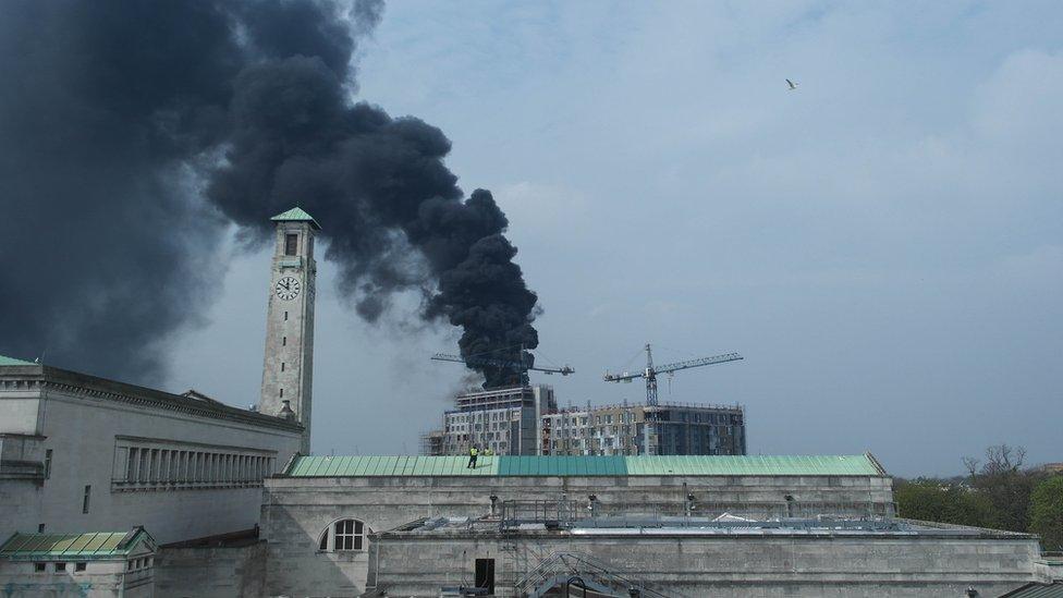 Construction site fire, Southampton. Photo: Robert Henshaw