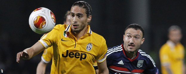 Former Fulham, Tottenham and Sunderland midfielder Steed Malbranque (right) had Lyon's best chance against Juventus.