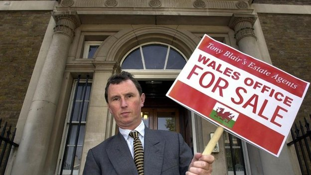 Nigel Evans in 2003