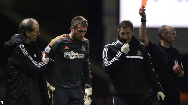 Hull keeper Allan McGregor sent off vs West Ham