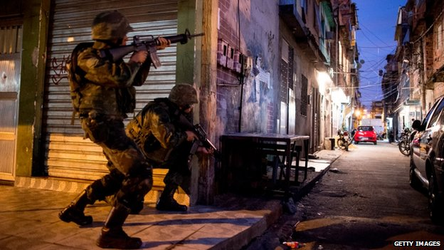 Occupation of the Favela da Mare, 30 March 2014
