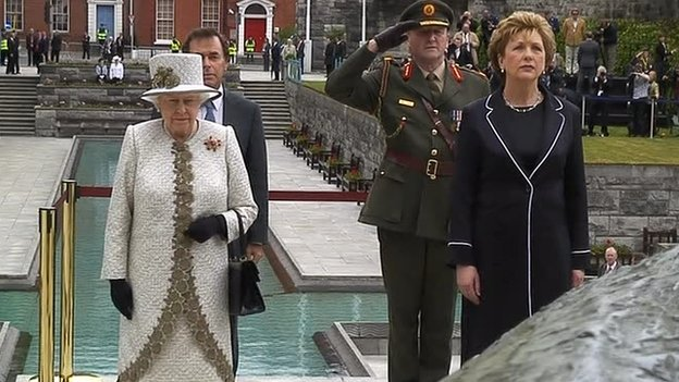 The Queen and former Irish President Mary McAleese paid tribute to Irishmen who died fighting for independence from British rule in 2011