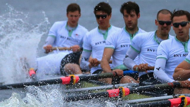 Oar clash hands Oxford Boat Race win