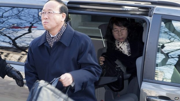 Slain York University student Qian Liu's father Liu Jianhui and mother Zheng Yaru, right, arrive at court in Toronto 24 March 2014