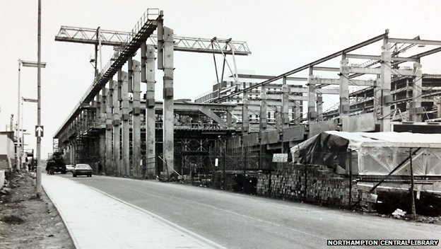 Construction of Greyfriars Bus Station in November 1974