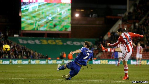 Oussama Assaidi scores for Stoke