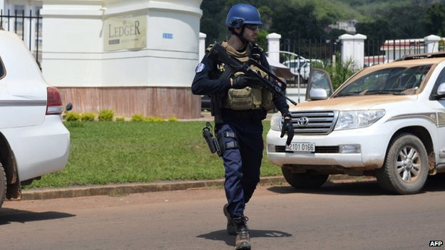 A member of the French Mobile Gendarmerie patrols in Bangui (April 2014)
