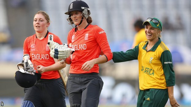 Heather Knight, Sarah Taylor and Mignon du Preez