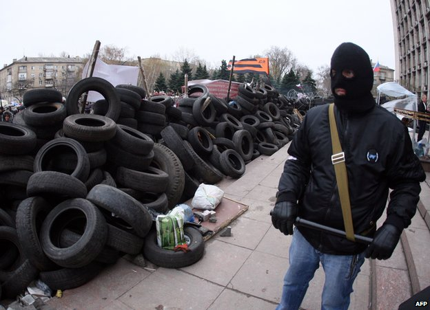 Pro-Russian activists in Donetsk, 11 April