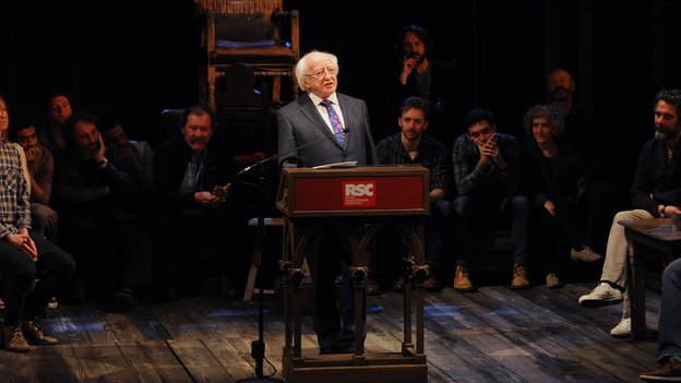 Higgins makes speech at RSC